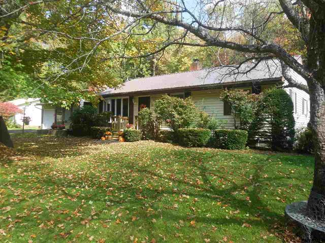 Sold/closed >> 211 Shew Hollow Rd