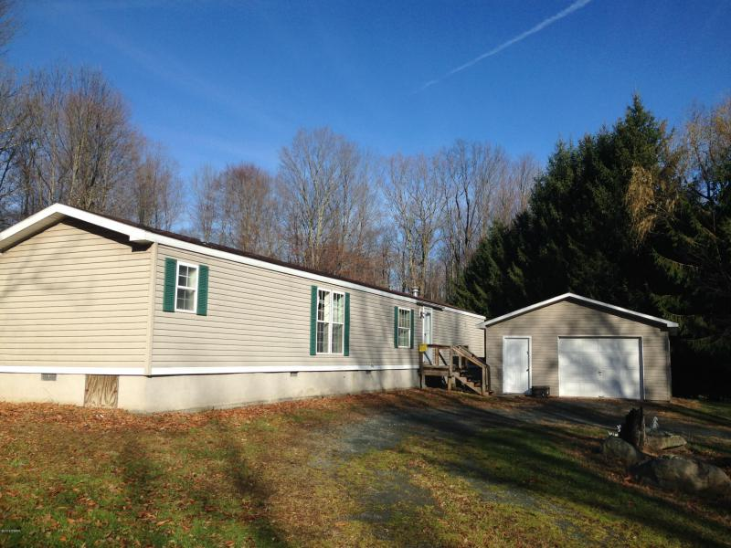 14 Salem Heights: Mobile with Garage on 1.20 Acres