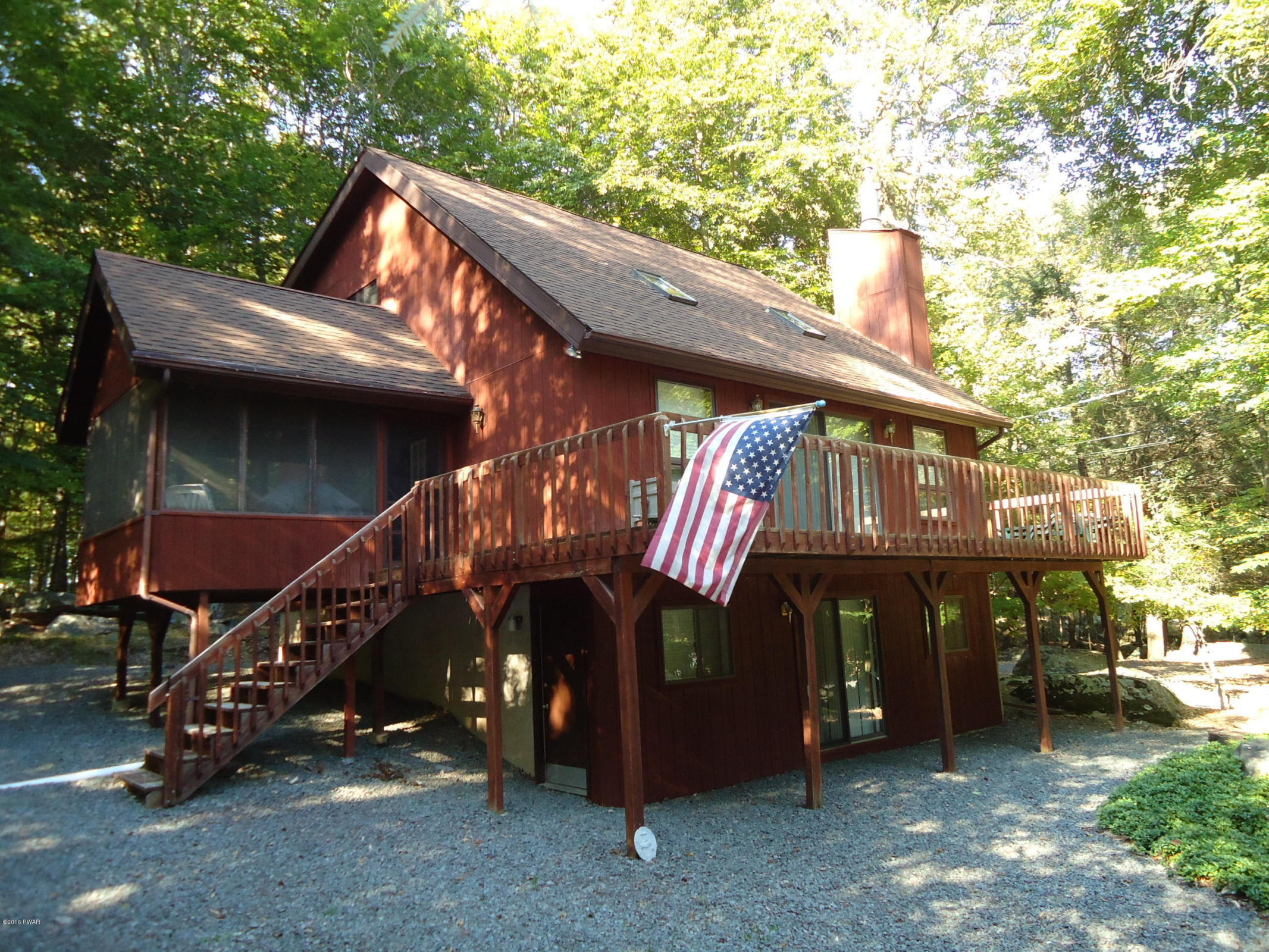 659 Lakeview Drive- Must-See Saltbox in The Hideout, Lake Ariel PA