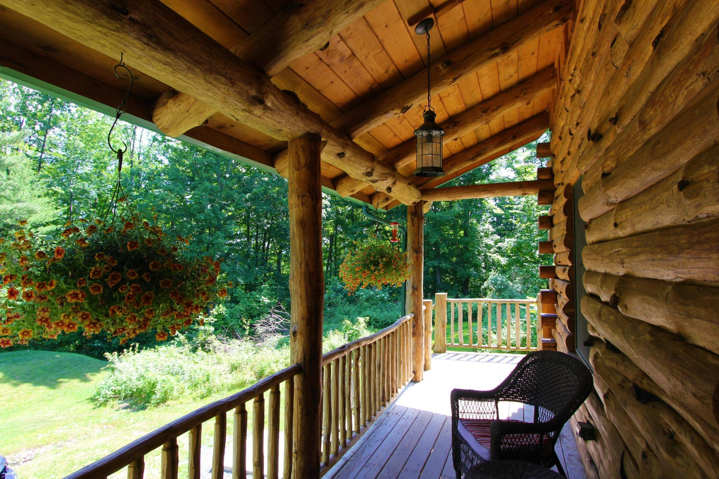 61 Bowens Road Springbrook Township Lovely Log Cabin