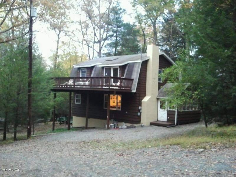 100 Pumphouse Ct,Greentown PA,Millbrook-Lake Wallenpaupack Beauty, Be In By Summer!