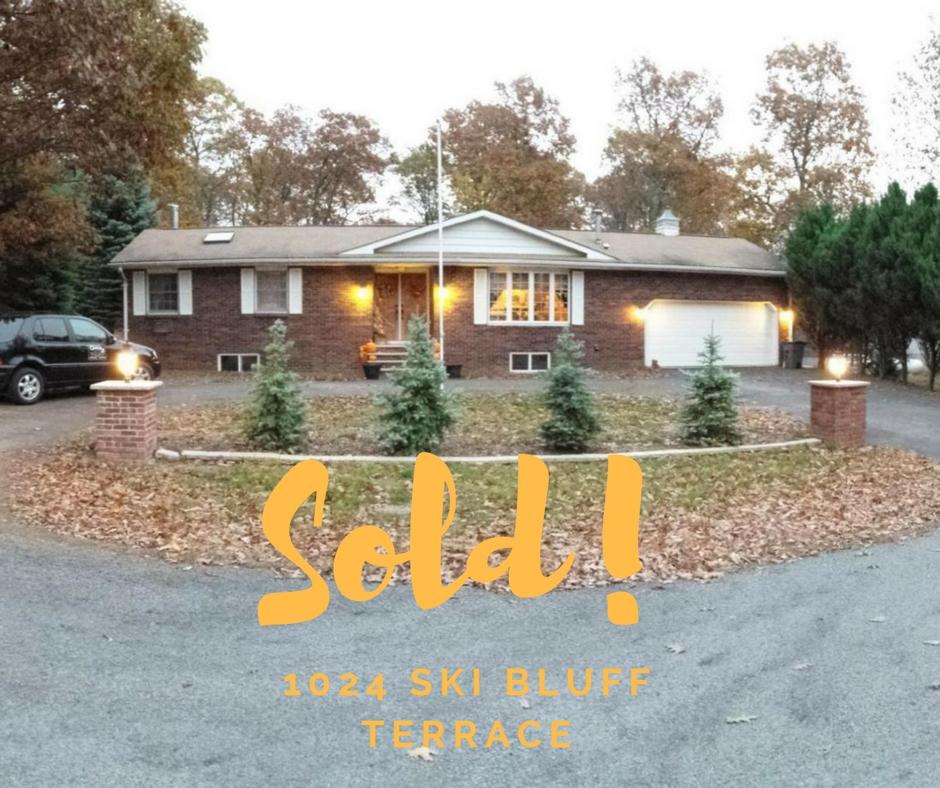 Sold! 1024 Ski Bluff Terrace: Wallenpaupack Lake Estates