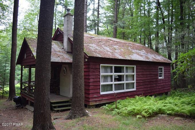 NEW LISTING! This Cozy Paupack Gardens Gumble Cottage Features 2 Bedrooms Plus a Large Sleeping Loft and 1 Bathroom. A Boat Slip On Lake Wallenpaupack is Included. This Cottage Is Ready to be Your Lake Vacation Home! For more information on Your Future La