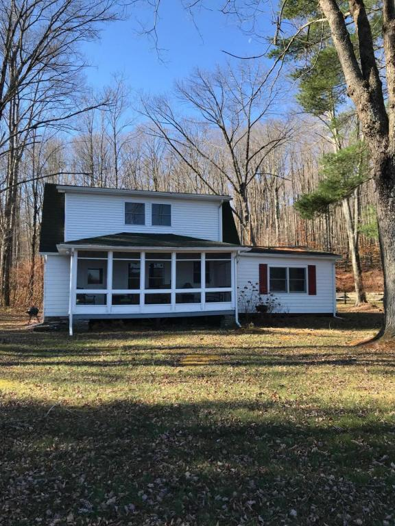 New Listing !! Lake Front Cottage !! Located on Beautiful Lake Como !! This 2 Bedroom, 2 Bath with Living Room Fireplace is the Perfect Getaway!! Come See Colette Trail NEW LISTING !!