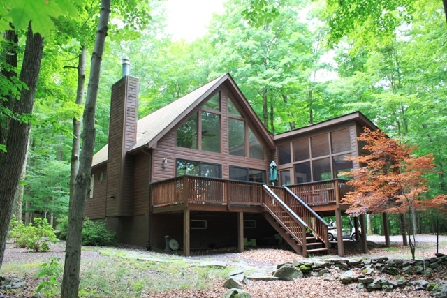 RECENTLY REDUCED!! This Gorgeous Chalet Nestled in Cobbs Lake Preserve Features 3 Bedrooms and 2 Bathrooms! Having undergone an Entire Renovation, This Home is Better than New!! Multiple Upgrades Include Hickory Hardwood Floors, Stainless Appliances, Quar