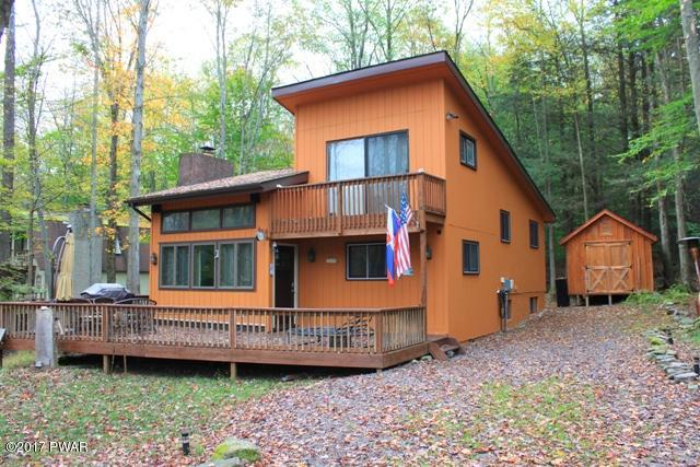 NEW LISTING !! 3 Bedrooms, 2 Baths, New Kitchen, New Floors. Move Right In and Enjoy All the Amenities The Hideout has to Offer !! Lake, Skiing ,Golf just to mention a few. Come take a Look at Keith Delaney's New Listing !!!!