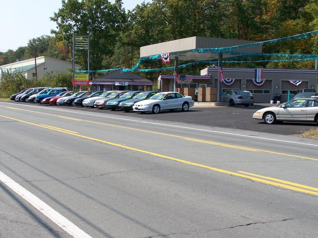 NEW LISTING - Commercial Property - Gas Station / Smoke Shop - Great Buisiness Opportunity!!