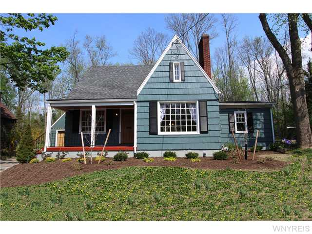 TOTALLY RENOVATED AND RESTORED CAPE COD in East AURORA