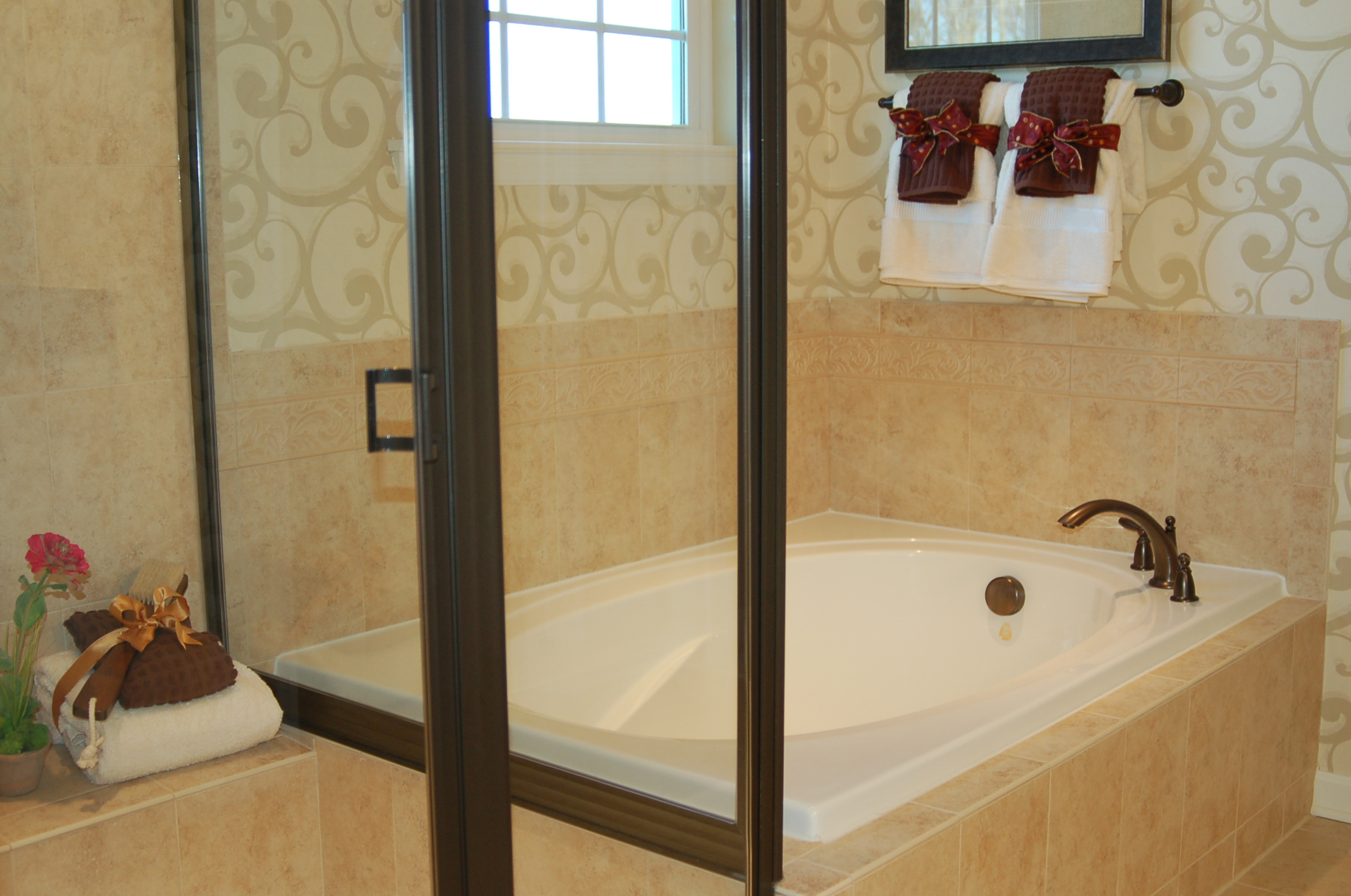 Luxury bath in Ryan Home at Port Potomac