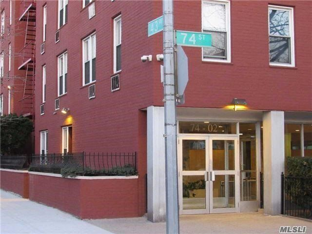 Just Listed - Apartment in The Heart of Queens!