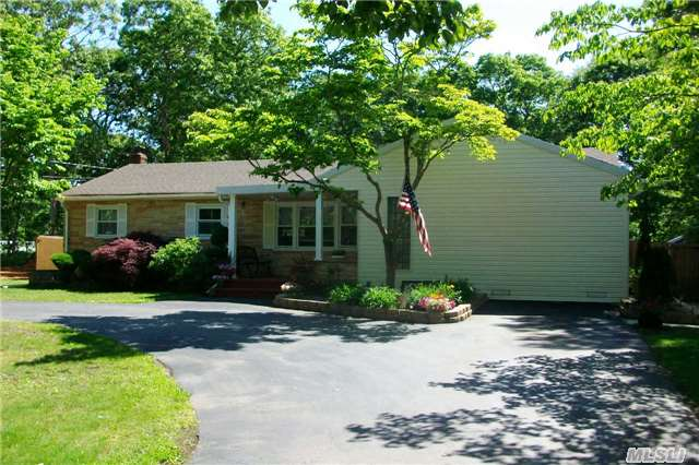 Welcome Home!!! Beautiful 3-bedroom ranch just minutes from the beach!!!