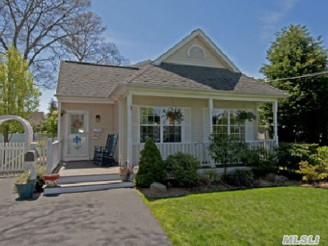 12 Paprocki Avenue, West Islip