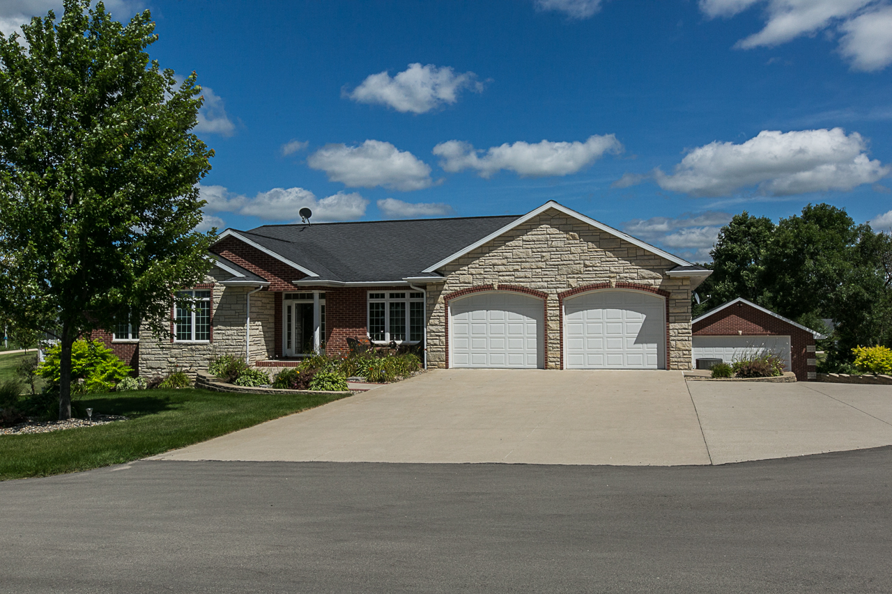 Dubuque Home For Sale| PRICE REDUCED| Includes 4+ Acres!!!