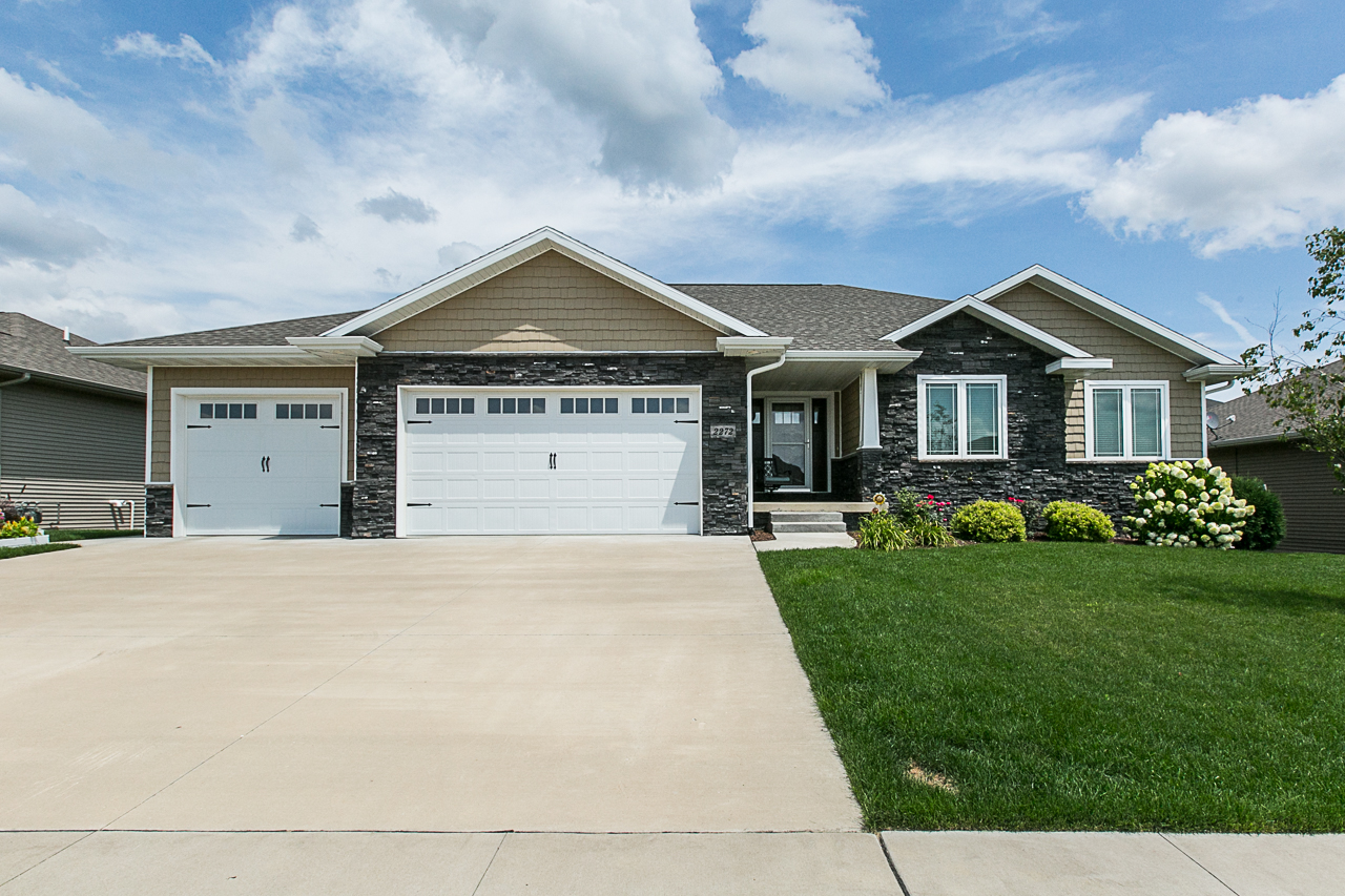 Dubuque Home For Sale| Offered by Deb Hooks 2272 Julia Drive