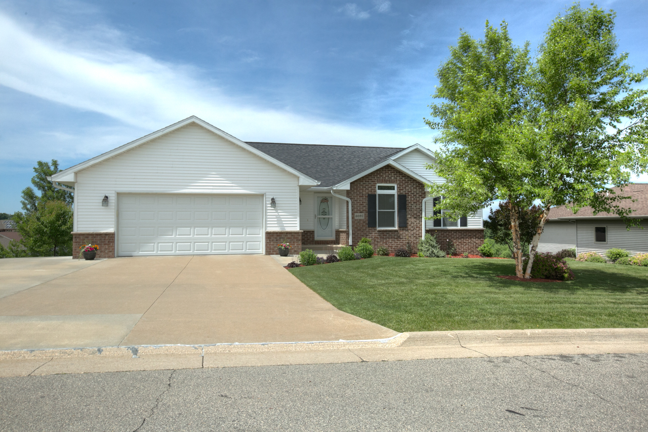 !!!PRICE REDUCED!!! Great Must See Ranch!