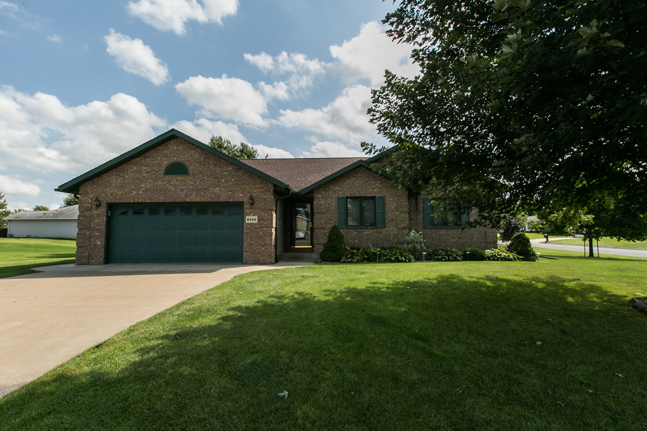 Dubuque Home For Sale| All Brick Ranch | Offered by Brooke Huberty