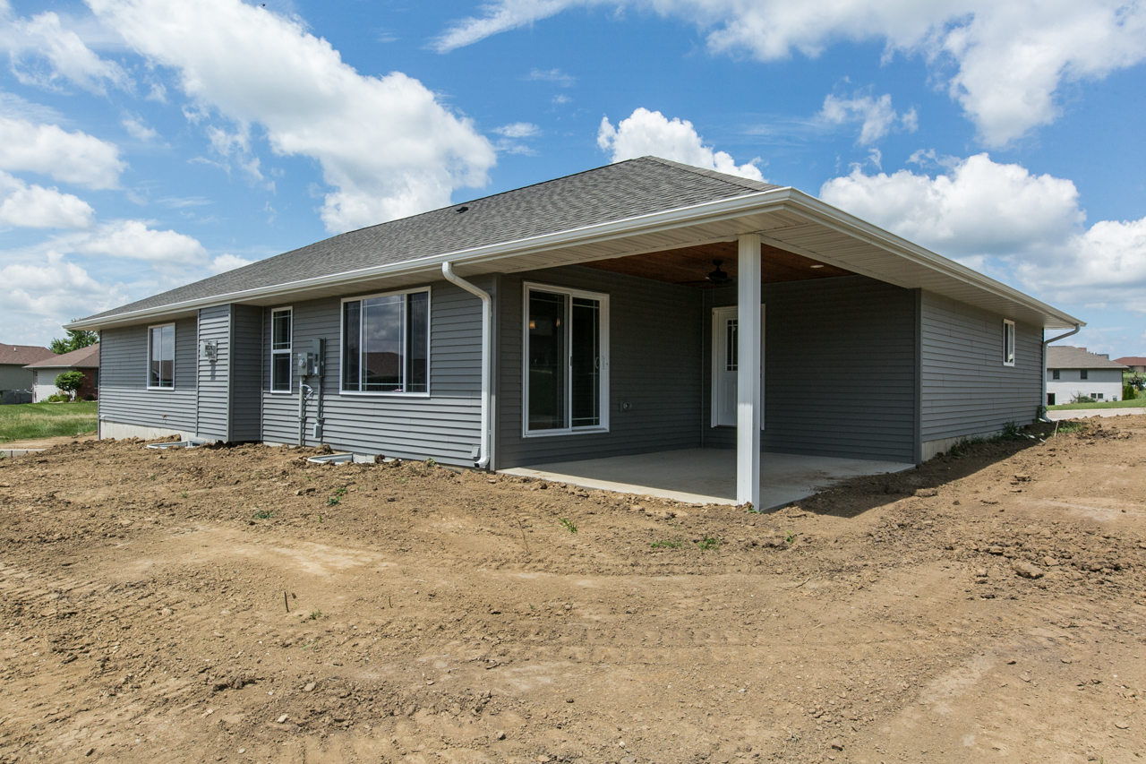 New construction ranch 10min west of dubuque 9496 cashel for New construction ranch homes
