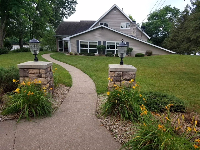 NEW WATERFRONT LISTING    Offered by Jason Conrad   555 Heller Dr., East Dubuque IL