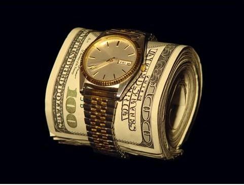 watch wrapped around rmoney roll