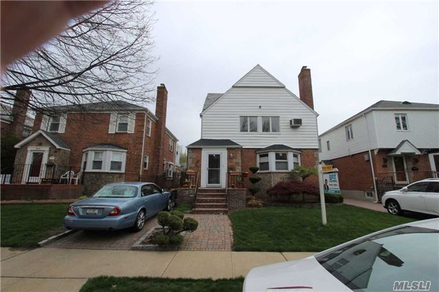 JUST SOLD PROPERTY_80-51 192 St, Jamaica Estates, NY 11432 _$1,150,000