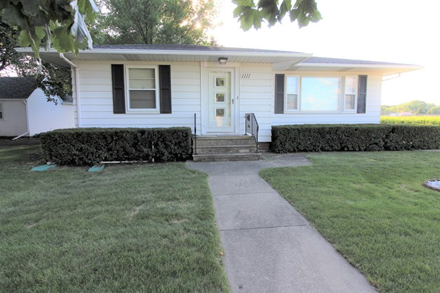 Great Gowrie Ranch Home~ 1111 1st Street Gowrie, IA 50543