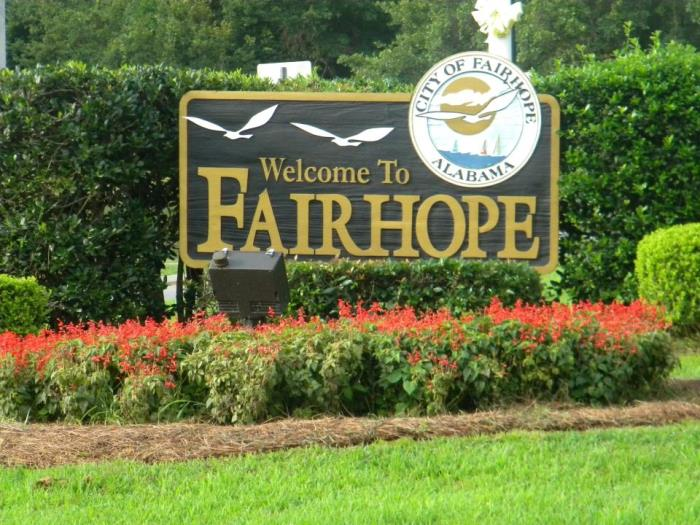 Fairhope alabama named best small town to live by southern Best small town to live