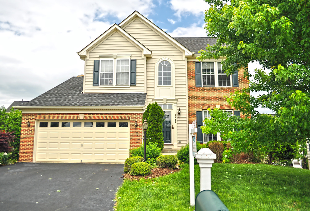Price Just Improved! Nice, 4 Bed, 3.5 Bath Piedmont Colonial ~ $419,900