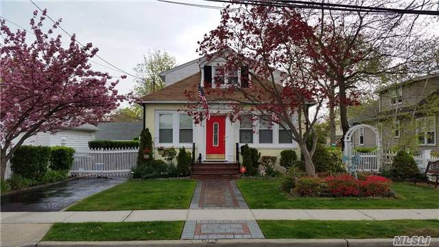 Sold: 1585 Wadsworth Pl, Baldwin, NY 11510