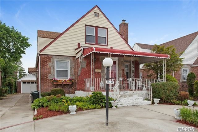 Beautiful House in Cambria Heights for Rental