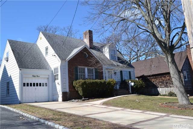 Sold: 59 Avon Rd, Hewlett, NY 11557