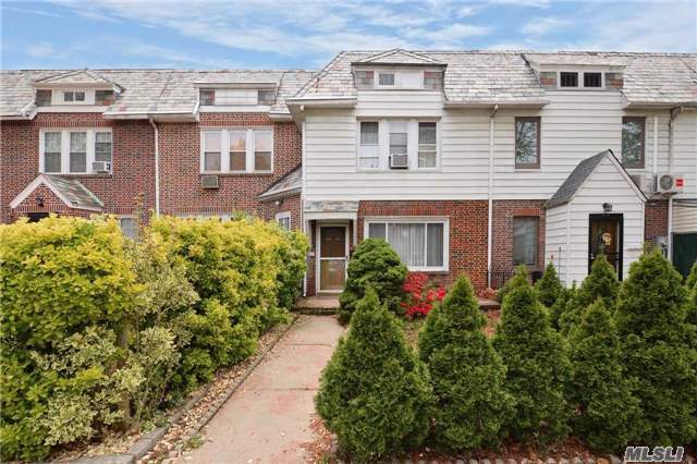 Sold: 68-34 Groton St, Forest Hills, NY 11375