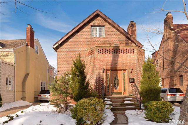Listed by Gigi Pierre, Stunning large Brick Colonial Home in Forest Hills Van Court.