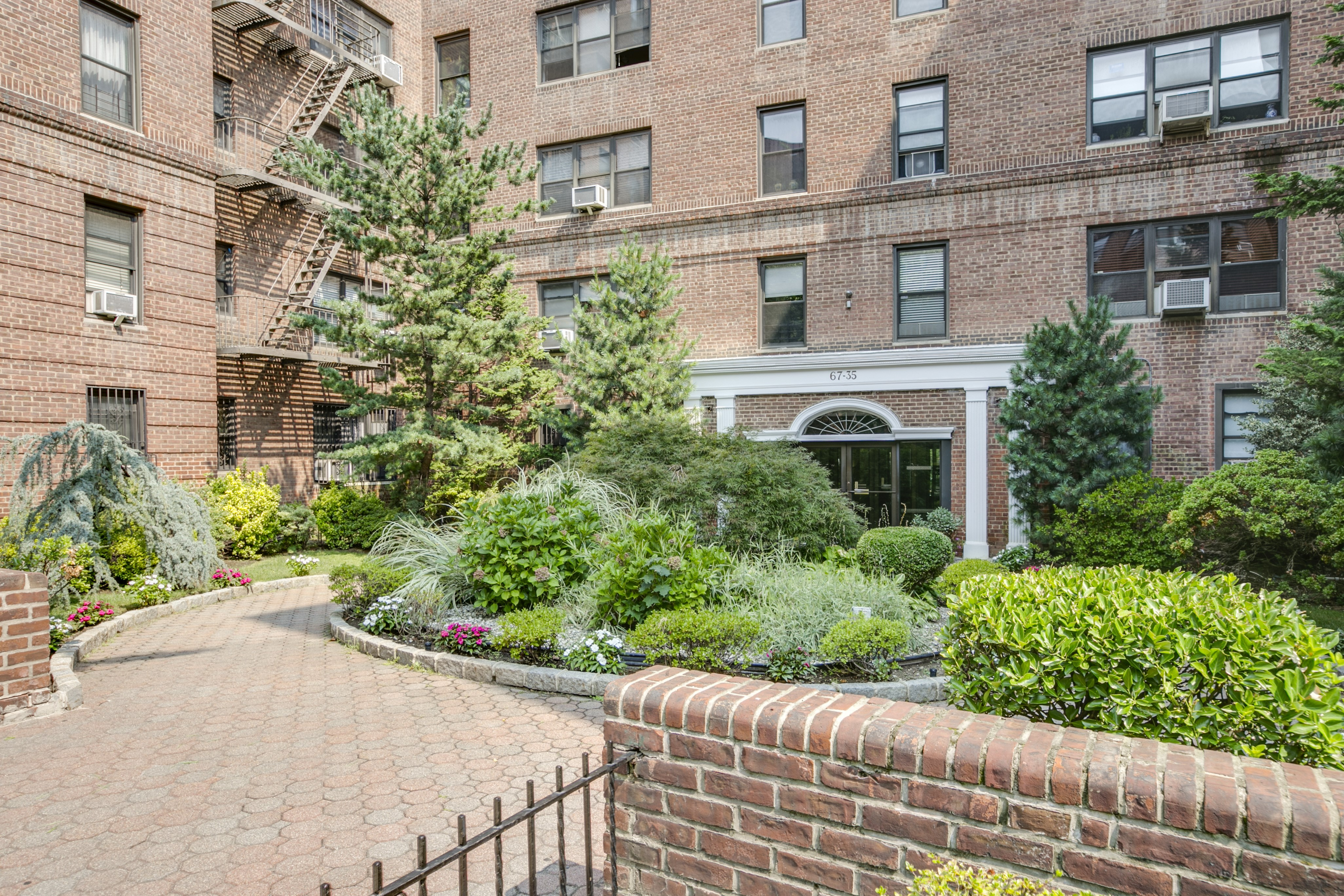 SOLD: 67-35 Yellowstone Blvd 2O, Forest Hills