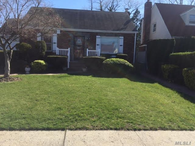 Cozy Cape House for Sale in Cambria Heights