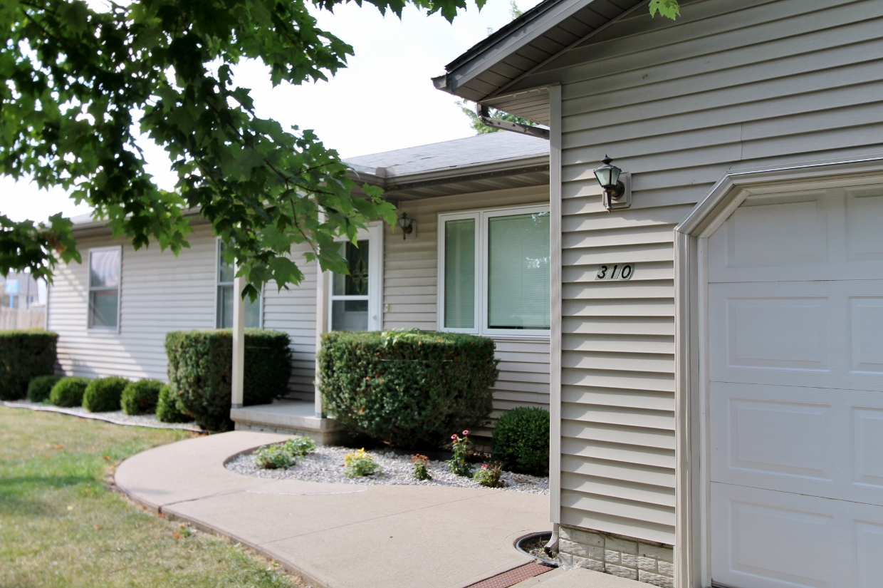 Ranch Home For Sale at 310 E Clinton Ave Indianola Iowa