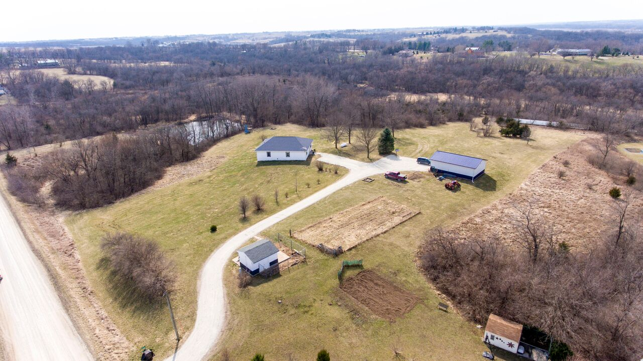 Acreage For Sale at 8064 103rd Ave Indianola IA 50125