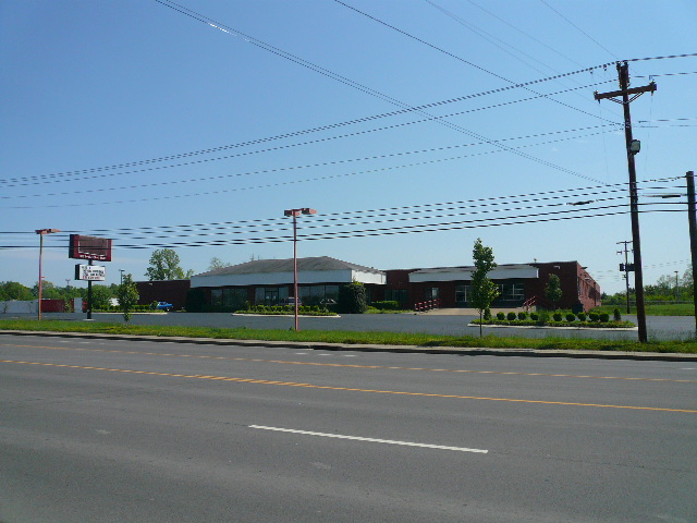 1210 Madison Street Shelbyville TN Commercial Building for Sale on 5 Acres