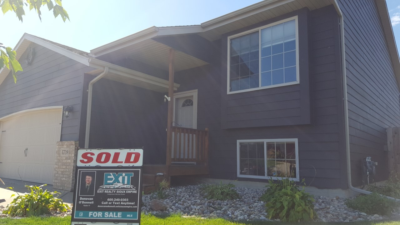 4709 S. Vista Park Ave. Sioux Falls, SD SOLD by Donovan O'Donnell Realtor®