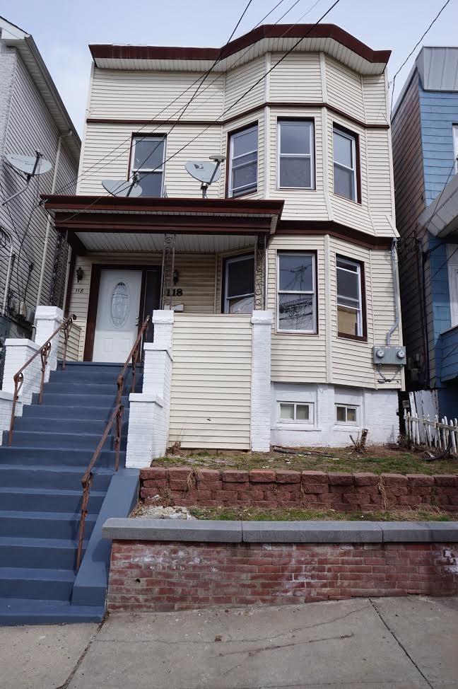 118 MCADOO AVE, Jersey City, NJ 07305