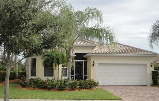 8583 Palermo Ct, Naples FL 34114