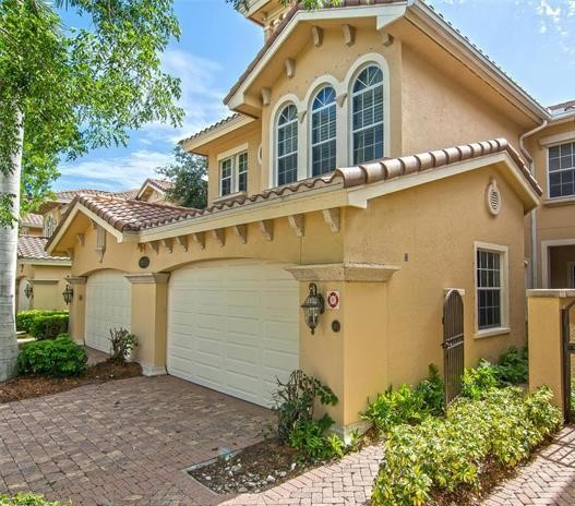8935 Cherry Oaks Trl Naples, FL 34114
