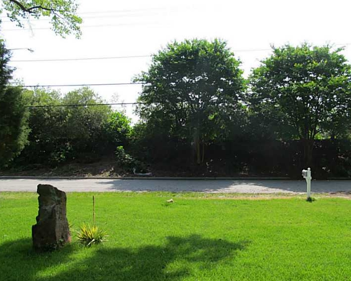 621 S. Military Highway Virginia Beach, VA front yard