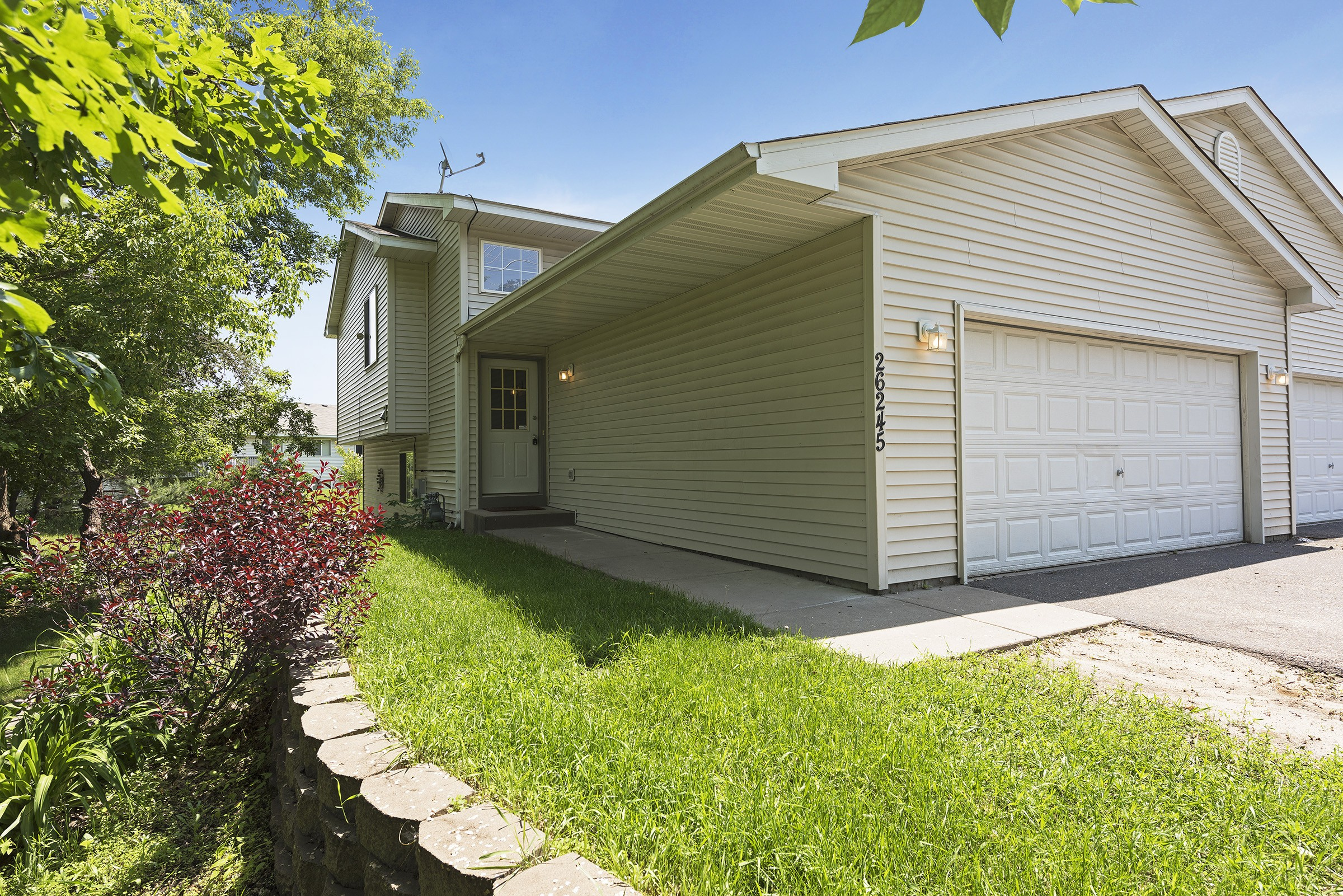 JUST LISTED- 3bd/2ba Twin Home in Zimmerman!! $129,900