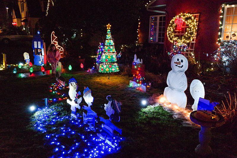 T'is the Season O'lights!